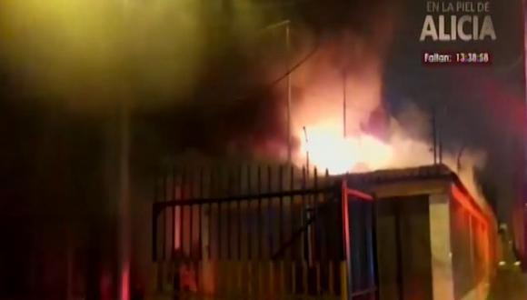 Los bomberos recomendaron a la ciudadanía tomar medidas de precaución para que hechos similares no vuelvan a ocurrir. (Foto: Captura/América Noticias)