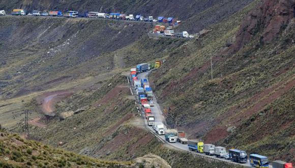 Carreteras en cámara lenta, por Gonzalo Prialé