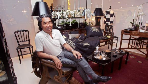 Nacido en 1939 en Himeji, Japón, Kenzo ha presidido durante los últimos 50 años el altar de la moda por su legado en la industria. (Foto: PIERRE VERDY / AFP)