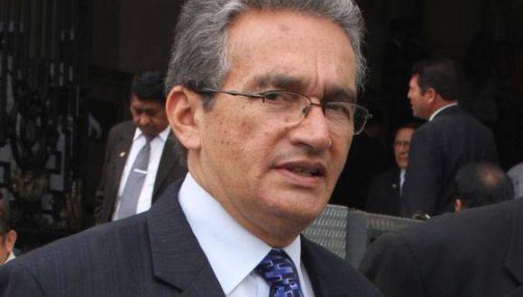 Aguinaga justificó que Fiscalización haya limpiado a Álvarez