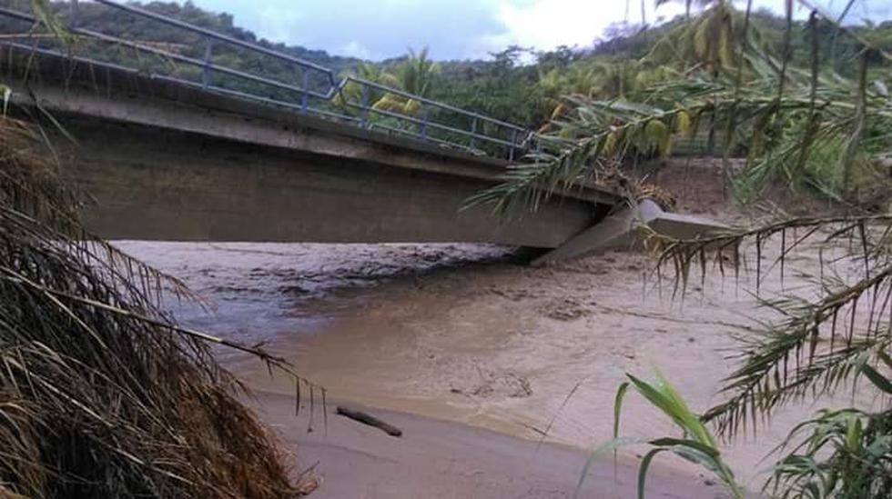 Puente San José colapsa tras desborde de quebrada y deja incomunicado a distrito de Cajaruro (Fotos: Utcubamba Informa)