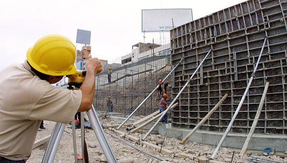 """""""la región deberá enfrentar en el 2016 diversos escenarios y riesgos de la economía mundial que, sin duda, condicionarán su desempeño económico"""", advirtió la Cepal."""