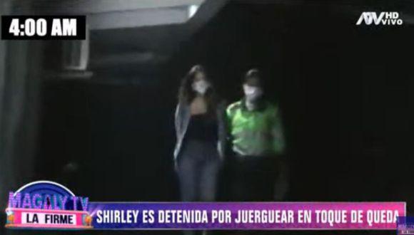 Shirley Arica pone resistencia cuando la detienen y grita a policías. (Foto: Captura Magaly TV: La firme)