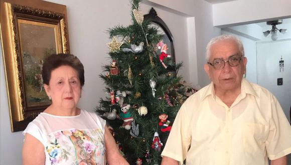 Los esposos Elena Trujillo Bravo (81) y Moisés Vera Terán (81), afiliados a PADOMI de EsSalud, residentes en Miraflores. (Foto: GEC)