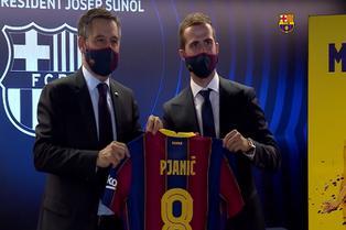 Barcelona: Pjanić llegó a España y se desvive en elogios hacia Messi