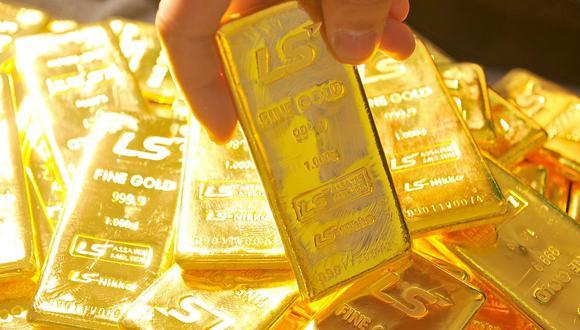 El precio del metal dorado mejoraba al contado un 1,1%, a US$ 1.796,61 la onza, tras registrar una fuerte caída el lunes. (Foto: AFP)