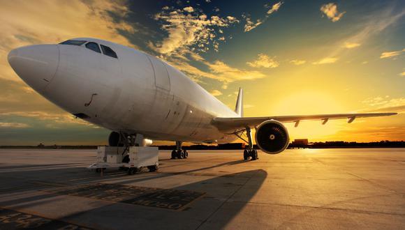¿Te imaginas recibir pizza en un avión si tu vuelo se atrasa?