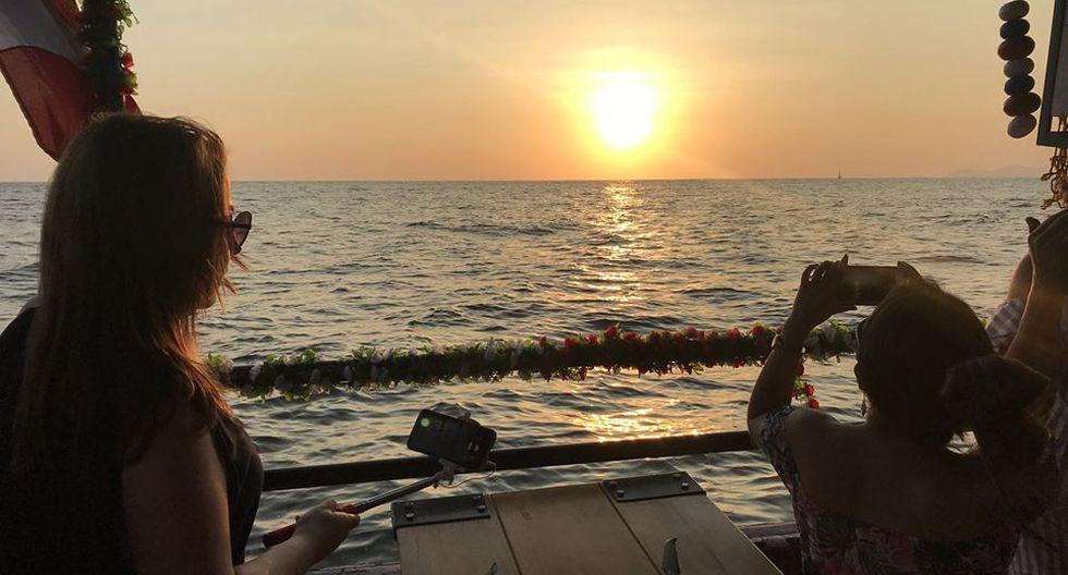 El restaurante navega todos los fines de semana por la costa chorrillana.
