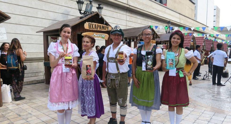 Feria estará hasta el domingo en la plazuela del Teatro Municipal de Lima. (Foto: El Comercio)