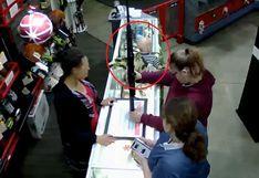 EEUU: un bebé cayó del mostrador de una tienda mientras su madre compraba un arma de fuego | Video