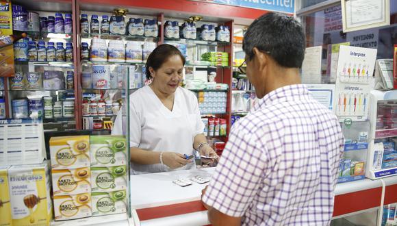 El sobreprecio es uno de los temas que ha generado mayor discusión en relación a las farmacias en esta cuarentena. De acuerdo al estudio de la consultora Arellano, el 42% de los encuestados se iría a una botica diferentes si aumentan los precios. (Foto: GEC)