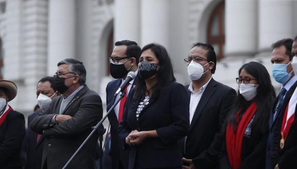 Flor Pablo y el resto de congresistas de la lista 3 reclamaron su exclusión. (Foto: Hugo Pérez / @photo.gec)