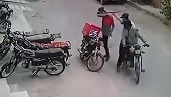 El hecho fue registrado en video por una cámara de seguridad. (Foto: YouTube/Just Chill)