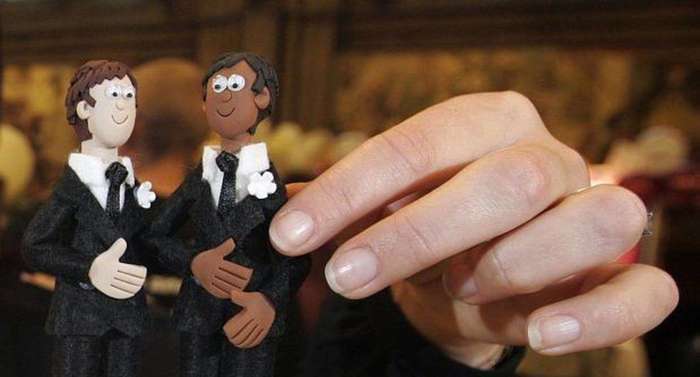 Mayoría acepta derechos de parejas gays pero rechaza unión - 1