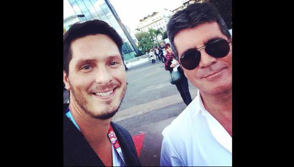Cristian Rivero y su 'selfie' con Simon Cowell en Cannes