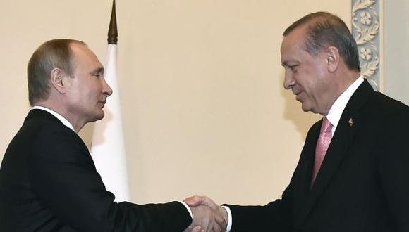 """Erdogan agradece a Putin su apoyo """"incondicional"""" durante golpe"""
