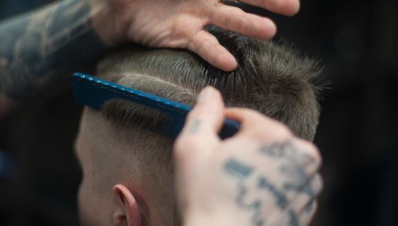 Remedios caseros para eliminar la caspa del cuero cabelludo. (Foto: Pexels)