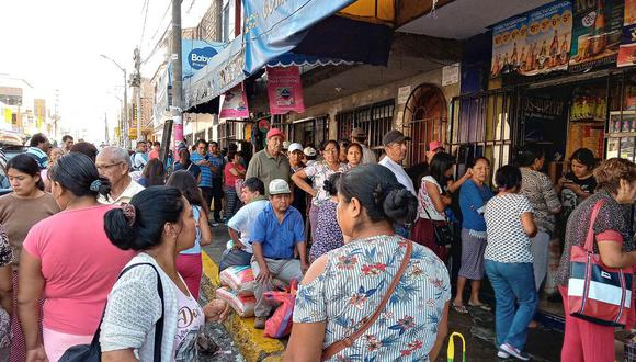 La entidad está levantando información a fin de plantear soluciones para las aglomeraciones en los mercados. (Foto: Laura Urbina)