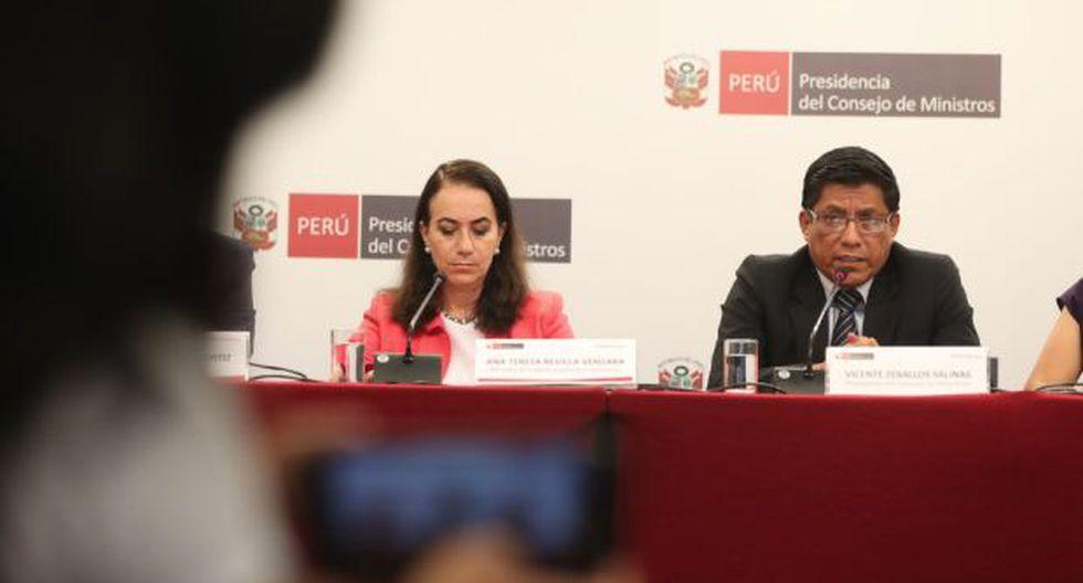 La ministra de Justicia, Ana Teresa Revilla, y el jefe del Gabinete, Vicente Zeballos. (Foto: PCM)