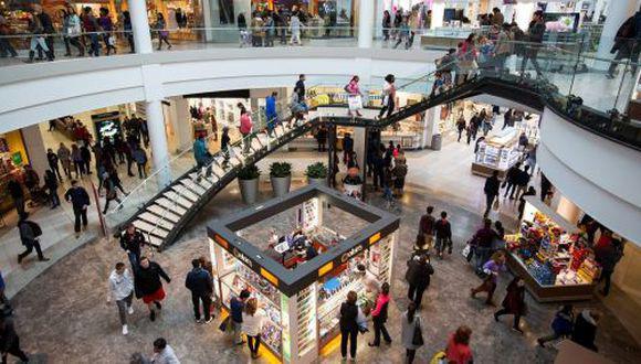 Gobierno dispuso la reducción del aforo en los centros comerciales de 60% a 40% para evitar las aglomeraciones. (Foto: GEC)