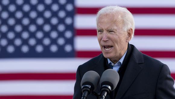 El candidato presidencial demócrata de Estados Unidos, Joe Biden, habla durante un evento de campaña en el recinto ferial del estado de Iowa el 30 de octubre de 2020. (Foto de JIM WATSON / AFP).