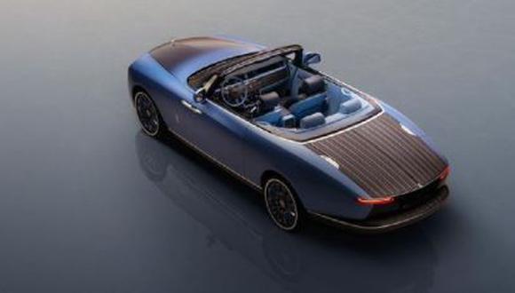 El automóvil más caro de Rolls Royce fue diseñado a pedido, pues sus dueños son dos conocidos músicos. (Foto: Instagram)