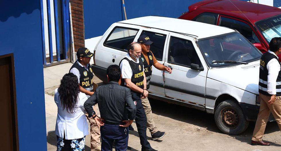 El exgobernador regional de Lambayeque fue trasladado esta mañana a la sede del Instituto de Medicina Legal para los exámenes médicos de ley y luego será llevado a la División de Investigación de Delitos de Alta Complejidad (Diviac). (Foto: Hugo Curotto / GEC)