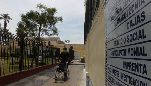 Hospital Dos de Mayo: paciente falleció tras lanzarse de azotea