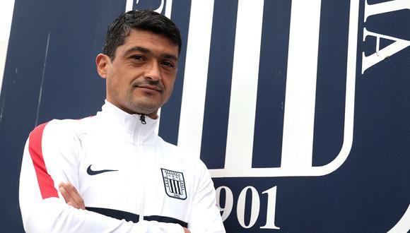 Javier Rodríguez, miembro del comando técnico de Mario Salas, es el nuevo preparador de arqueros de Alianza Lima. (Foto: Alianza Lima)