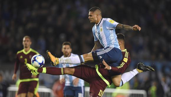 Mauro Icardi marcó su primer gol con Argentina frente a Venezuela. (Foto: AFP)