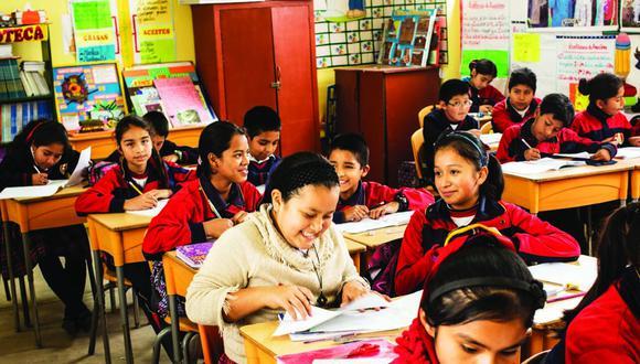 Desde el 2011, Pachacútec tiene un colegio remozado, donde adolescentes como Nayelly estudian felices.