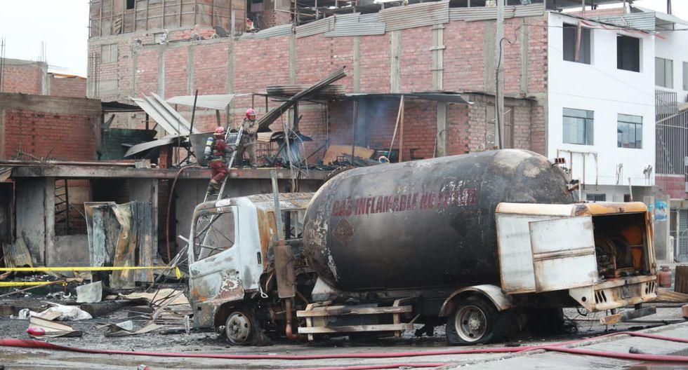 Decenas de heridos dejó la fuga de gas y posterior explosión de una cisterna que transporta GLP, en Villa El Salvador. (Foto: El Comercio)