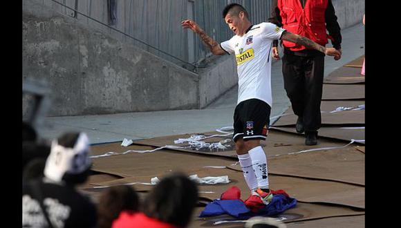 Jugador durmió en la cárcel por pisar la bandera de U. de Chile