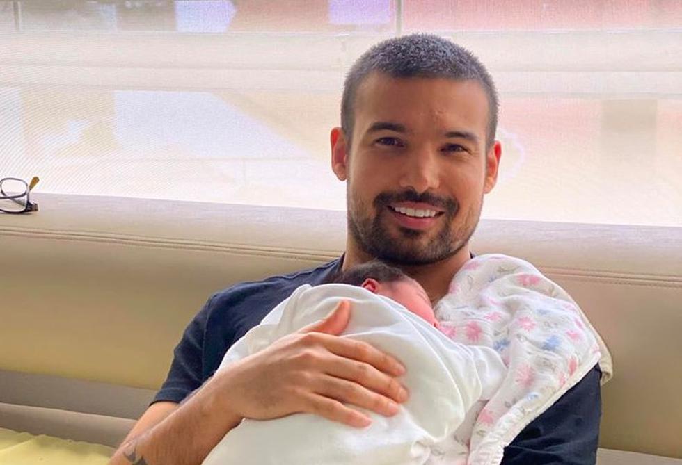 Ezio Oliva conmueve a seguidores con primeras imágenes junto a su hija Cayetana. (Foto: Instagram)