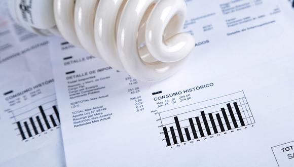 """Las compañías que brindan energía eléctrica deberán publicar en su página web la lista de beneficiarios del """"Bono electricidad"""". (Foto: GEC)"""