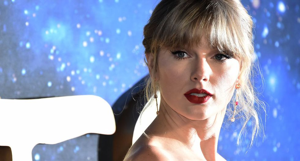 Taylor Swift ha compartido a través de sus redes el cartel oficial del documental(Foto: AFP)