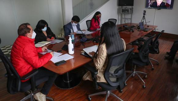 """El inicio de las reuniones con miras a lograr el """"Pacto Perú"""" se coordinó en una reunión entre el primer ministro Walter Martos y un comité de coordinación del Foro del Acuerdo Nacional, que encabeza Max Hernández. (Foto: PCM)"""