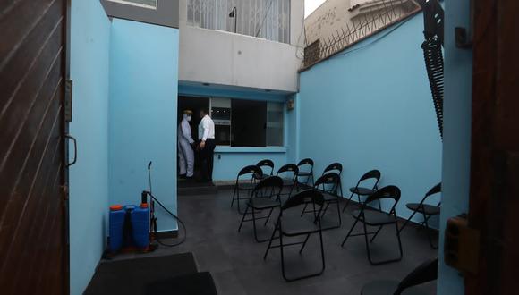 Personal de la Fiscalía fue citado al centro médico Aquamed en Surquillo, para la realización de los test de descarte del coronavirus.(Foto: Alessandro Currarino)
