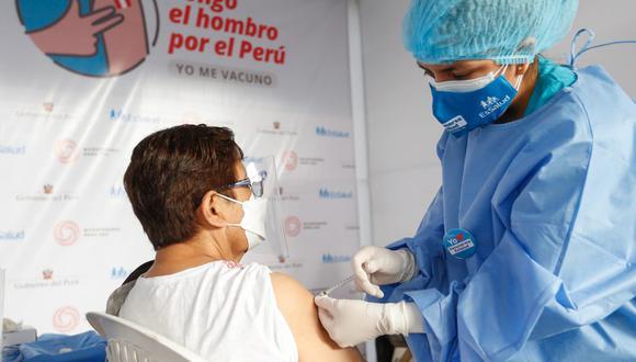 El Ministerio de Salud, Essalud y la Sociedad Peruana de Nefrología establecieron indicaciones que deben tomar en consideración las personas que reciben  sesiones de hemodiálisis, y que ahora serán inmunizados. (Foto: Minsa)