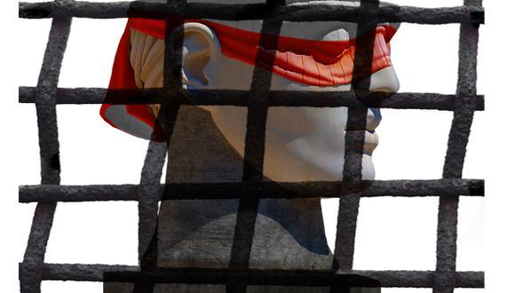 """""""De los cuatro últimos presidentes elegidos, dos están presos, uno con orden de prisión y el cuarto coquetea con la situación de sus tres colegas"""" (Ilustración: Giotanni Tazza)."""
