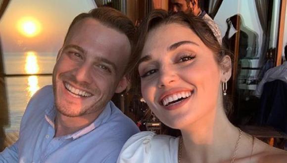 """Kerem Bürsin y Hande Erçel comparten fotos juntos debido a su trabajo en """"Love Is in the Air"""", la telenovela turca que protagonizan (Foto: Kerem Bürsin / Instagram)"""