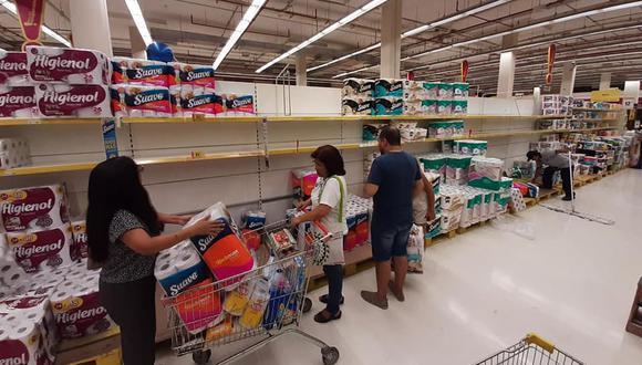 En los últimos días se han registrado compras desmesuradas en supermercados ante el avance del coronavirus. (Pamela Sandoval/Facebook)