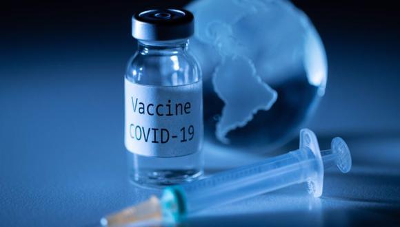 La OPS espera tener la vacuna contra el coronavirus en Latinoamérica y el Caribe entre marzo y mayo a través del mecanismo Covax. (Foto: JOEL SAGET / AFP / Archivo).