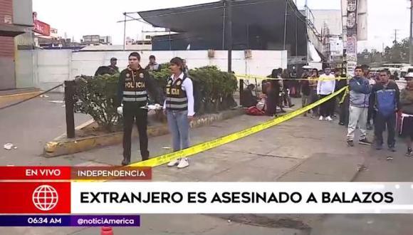 Hombre fue asesinado en la puerta de un restaurante de comida rápida. (Foto: Captura de video / América Noticias)