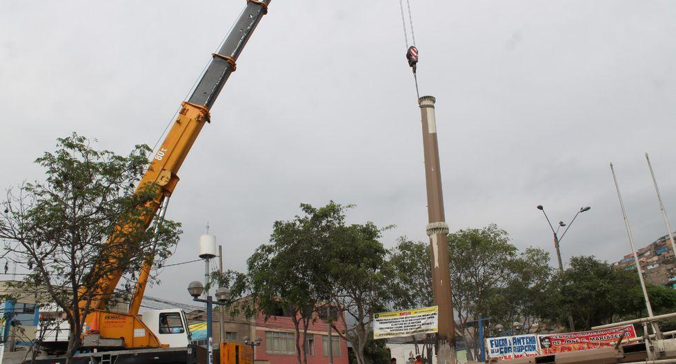 Villa María del Triunfo retiró antena de 30 metros de alto que había sido instalada en la plaza José Carlos mariátegui (Foto: Municipalidad de VMT)
