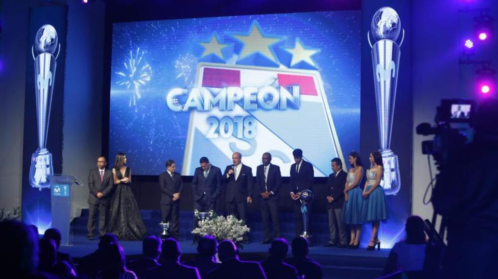El Torneo Descentralizado tuvo este jueves su gala de premiación a lo mejor de la temporada. La ADFP estuvo a cargo de tamaña ceremonia (Foto: Mario Zapata / GEC)