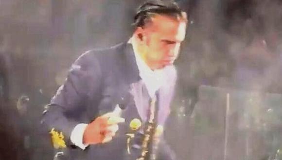 A Alejandro Fernández no le gustó bebida de fan y esto hizo