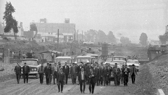 La vía Expresa se originó como parte del Programa Víal Metropolitano, el cual tenía incluía la construcción de la avenida Circunvalación, el Malecón del Rímac y una serie de avenidas que se convertirían en las principales vías de la capital y que son usadas todavía hoy. FOTO: GEC Archivo Histórico.