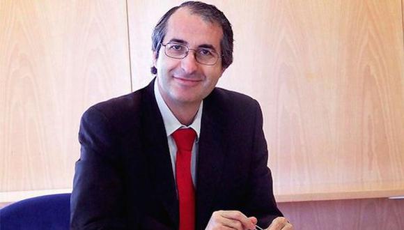 España: Rector de universidad es acusado de plagio de tesis