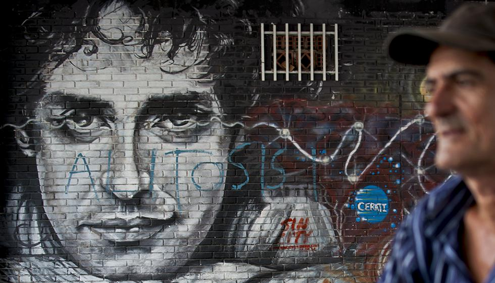 FOTO 1 DE 3 | Gustavo Cerati fue un músico, compositor y productor argentino que llegó a ser reconocido como uno de los músicos más importantes e influyentes del rock latinoamericano. | Foto: AFP (Desliza a la izquierda para ver más fotos)